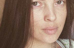 Анастасия Карпова показала свое фото без макияжа