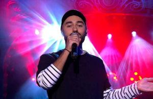 Мот выступил на шоу Вечерний Ургант с песней «Когда исчезнет слово»