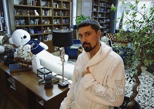 Дима Билан - Девочка, не плачь 2017, слушать онлайн песню