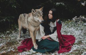 Солистка группы АлоэВера снялась в фотосессии с волками