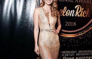 Букатара спела песню «Признание» на премии «National Awards Melon Rich 2018»