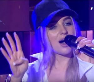 Мари Краймбрери спела новую песню «На тату» на шоу «Вечерний Лайк»