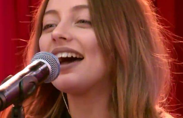 Группа SEREBRO выступили с концертом в утреннем шоу «Русские Перцы»