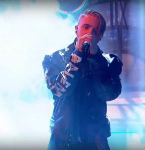 Егор Крид спел песню «Слеза» на шоу «Ночной контакт»