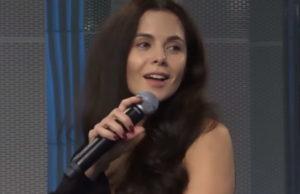Настя Каменских спела песню «Это Моя Ночь» на вечернем шоу «Мурзилки Live»