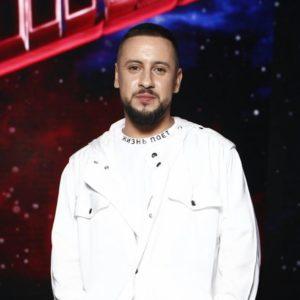 """Монатик спел новую песню """"Жизнь поёт"""" на шоу """"Голос Украина"""""""