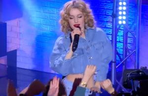 Юлианна Караулова спела песню «Лети за мной» на шоу «Вечерний Лайк»