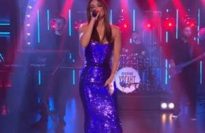 Ани Лорак спела новую песню «Сумасшедшая» на шоу Вечерний Ургант