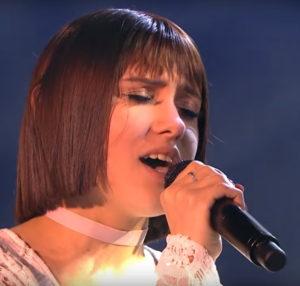 Кристина Кошелева спела в финале песню «Чувства, которых нет»