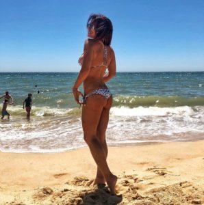 Ольга Романовская показала свою стройную фигуру в красивом купальнике