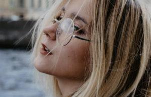 Оля Краснова представила клип «Красавицы-умницы»