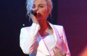 Алиса Вокс спела новую песню «Останься» на сцене Государственного Кремлевского Дворца