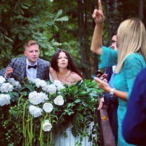 Забавное фото со свадьбы Бьянки