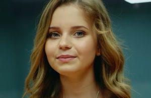 Клип Алисы Кожикиной - Назло всему улыбайся - смотрите видео онлайн