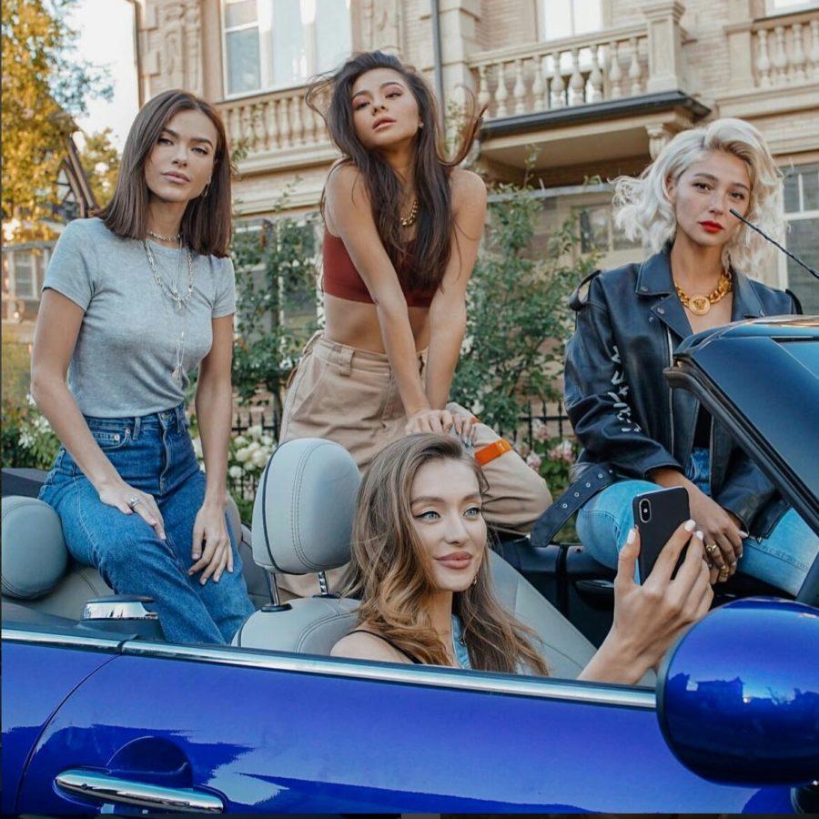 Елена Темникова - Не модные, версия клипа с участием Ивлеевой, Миногаровой и Коркуновой
