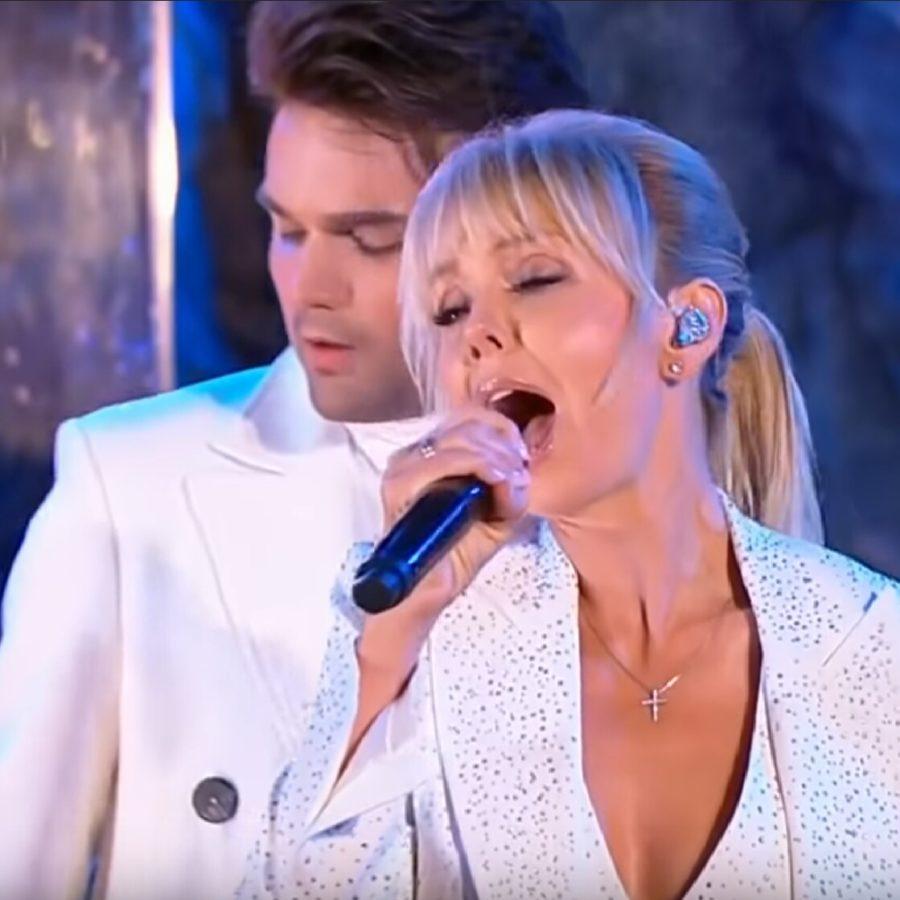 """Валерия и Александр Панайотов спели песню """"Космос"""" на шоу Что? Где? Когда?"""