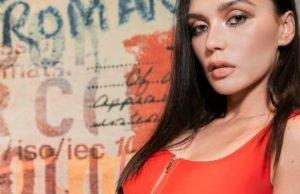 Ольга Серябкина показала красивые фото в красном купальнике