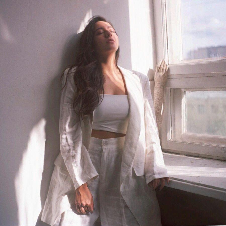 Manizha - Мне легко, 2018 - песня об испытании верности к своему делу
