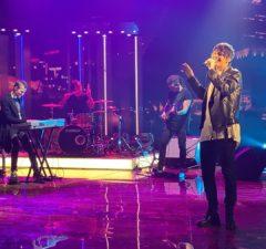 """ALEKSEEV спел песню """"Как ты там"""" на Вечернем шоу """"Макаёнка, 9"""""""