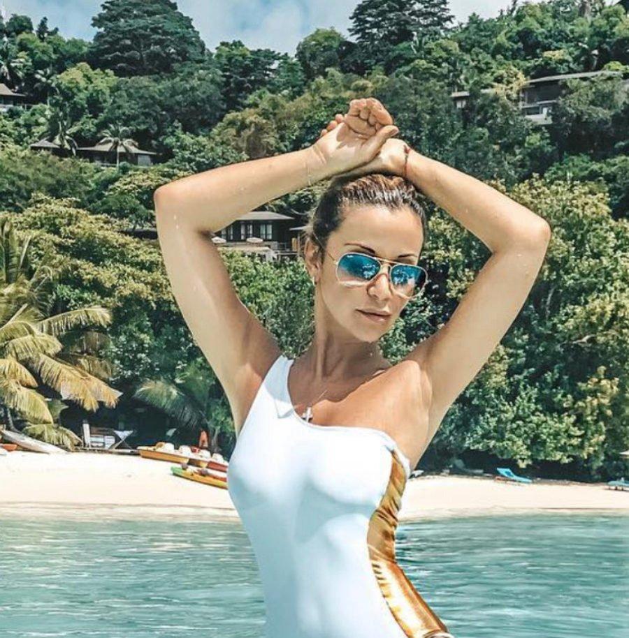 Певица Ольга Орлова показала пляжное фото