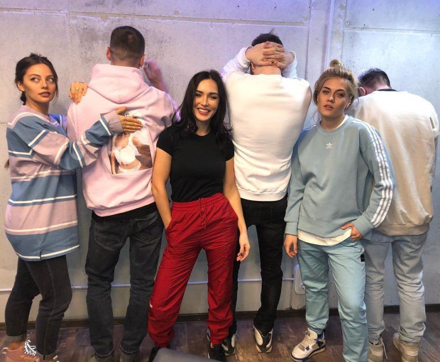Группы SEREBRO и Хлеб - На лицо, 2018 - совместная песня в стиле группы Хлеб