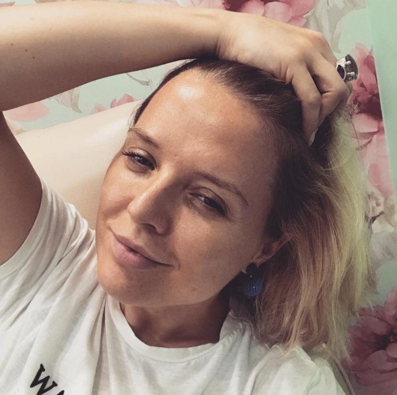 Вика Воронина - Среда, четверг, 2018 - трогательная и красивая песня про несчастную любовь