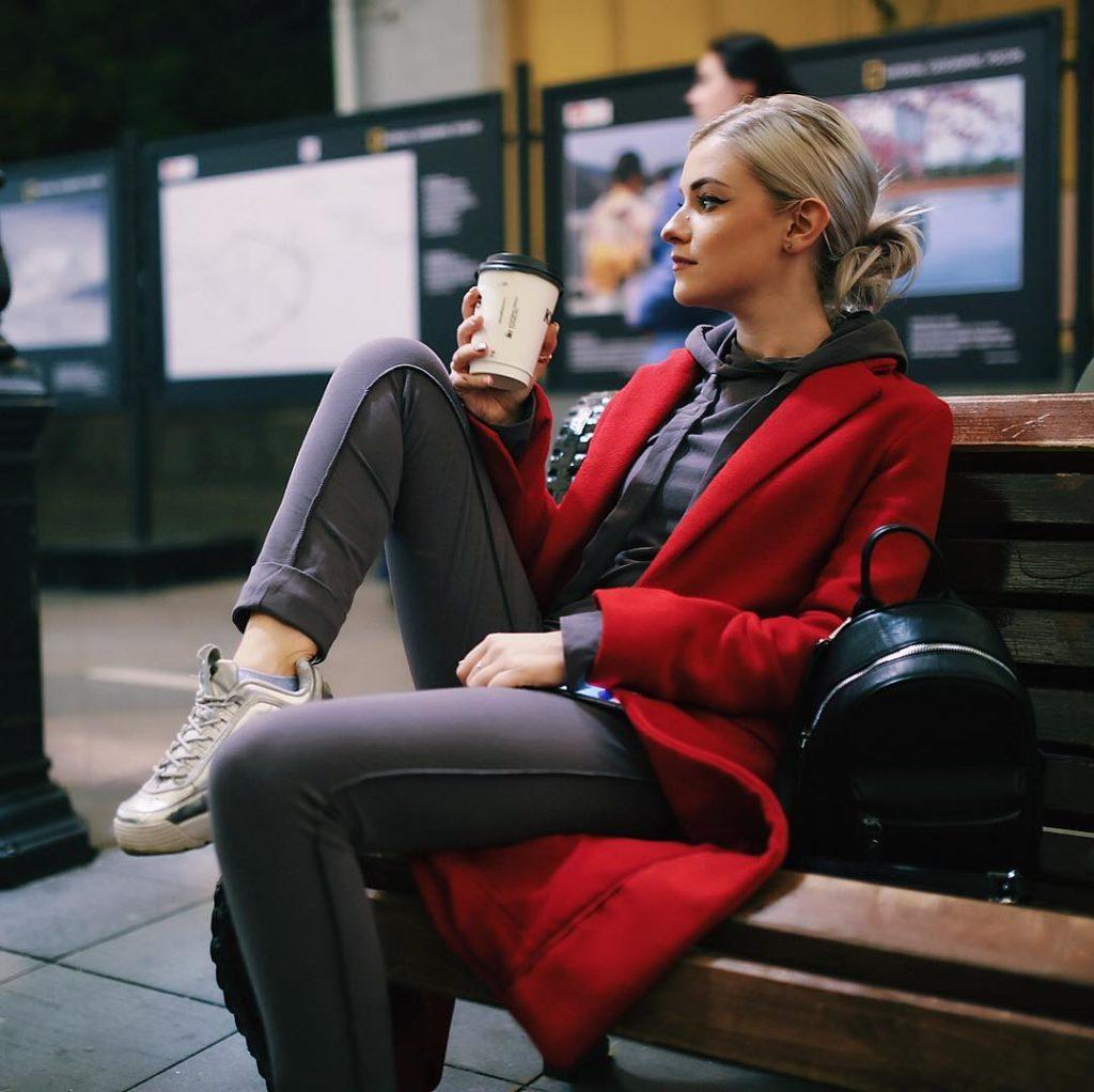 Анна Корнильева aka AKVA - Зачем ты слушаешь музыку?, альбом 2019 года | Музолента