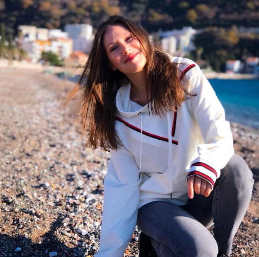 Ella - Особенный, 2019 - слушайте песню онлайн | Музолента