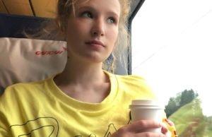 Монеточка - На заре, 2019 - слушайте песню онлайн | Музолента