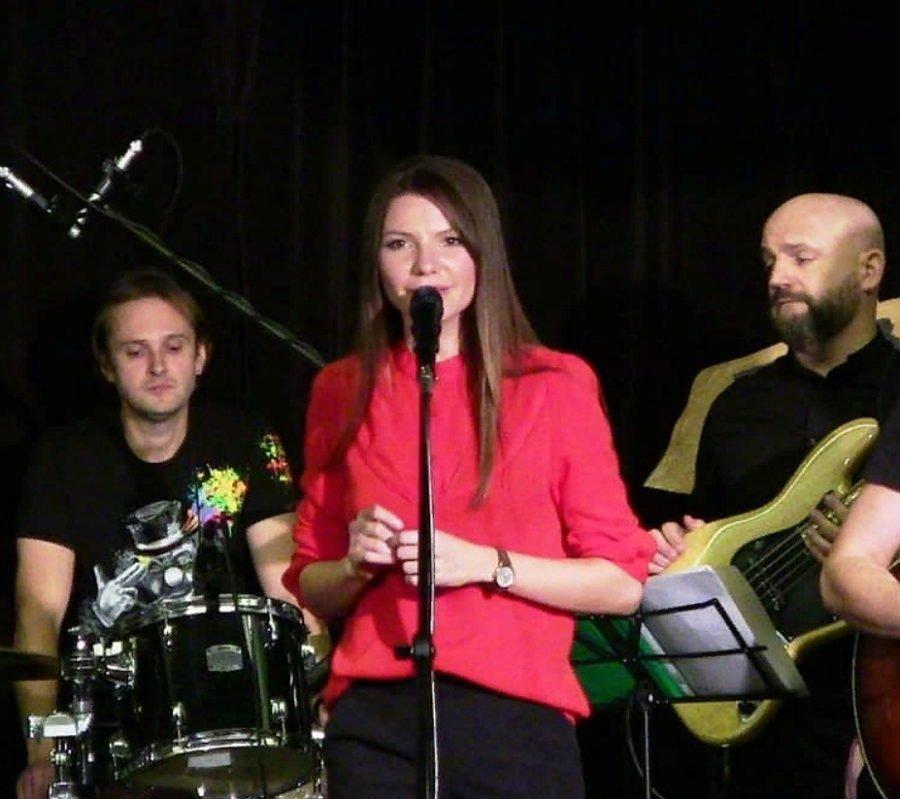 Виктория Черенцова - Мари, Live в бард-клубе - смотрите видео