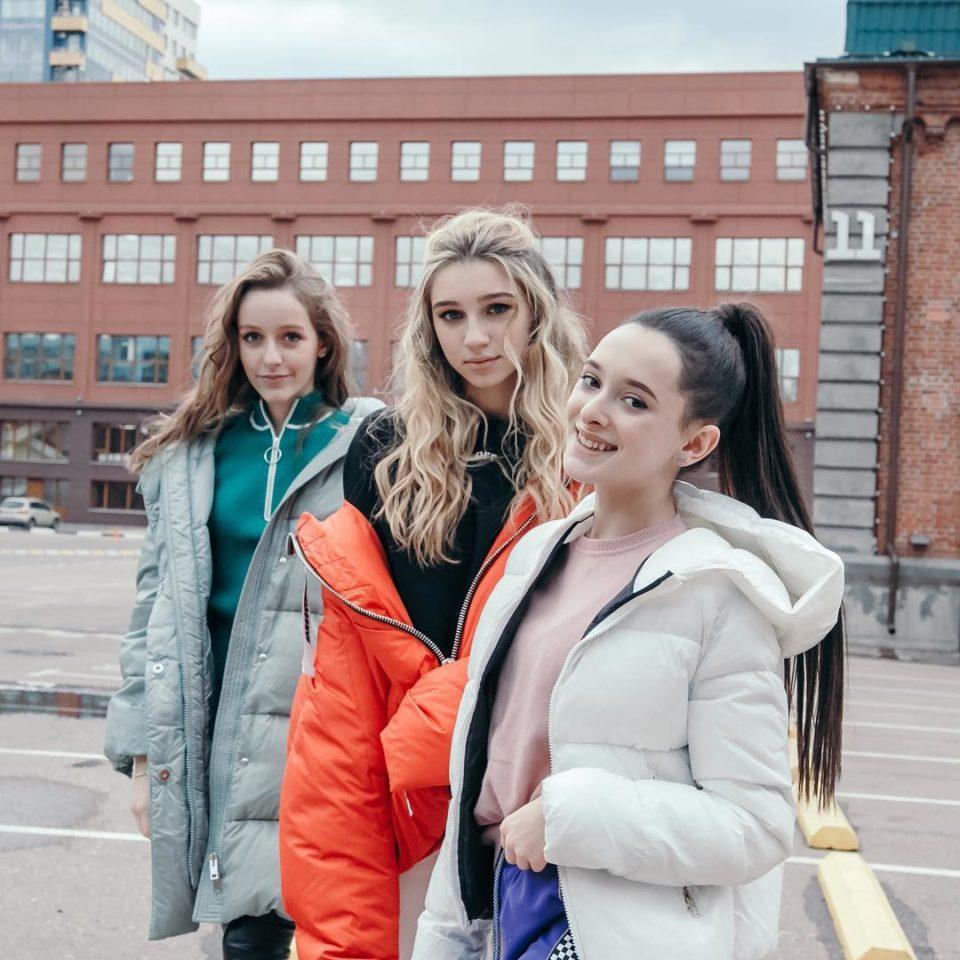 Группа COSMOS girls - Я худею 👗 Слушайте онлайн   Музолента