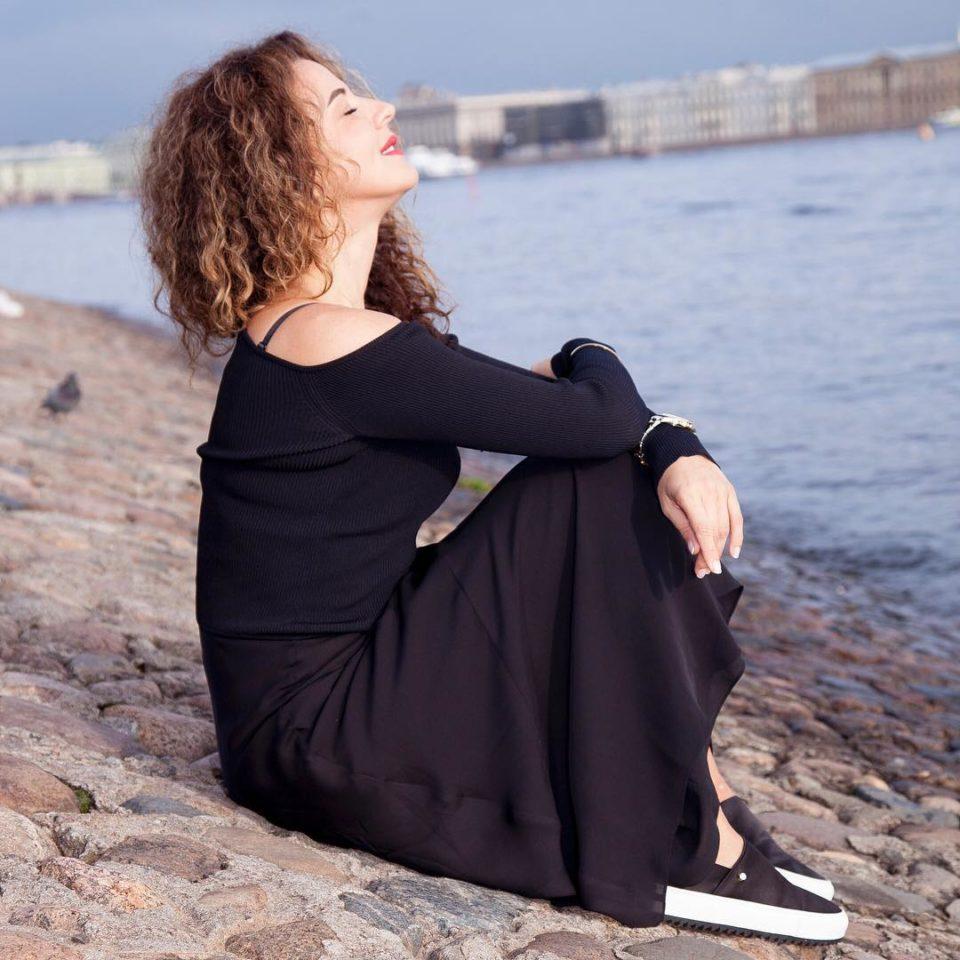 Наталия Власова — Я у твоих ног, 2019 — слушайте песню онлайн