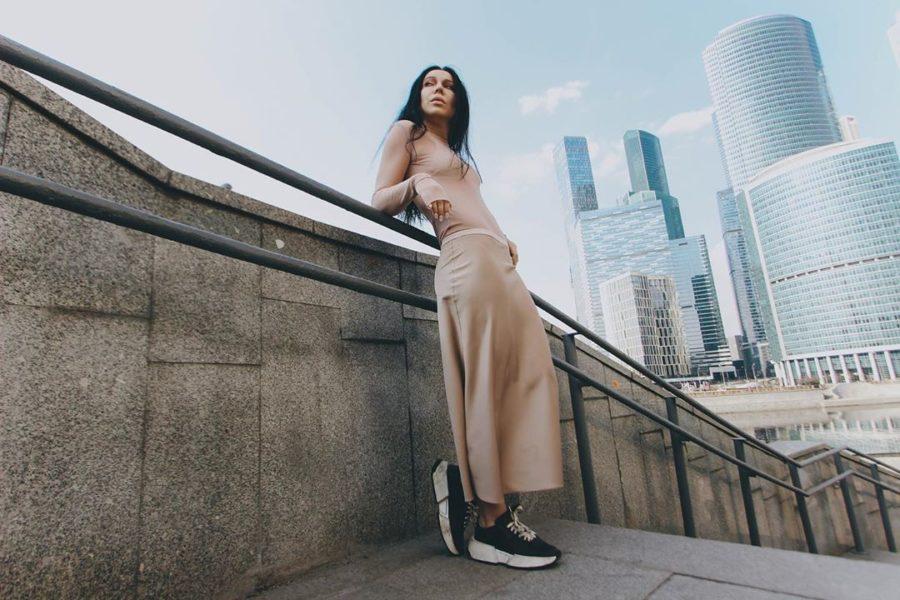 Ёлка — Остаюсь, 2019 — песня и Live-видео | Музолента