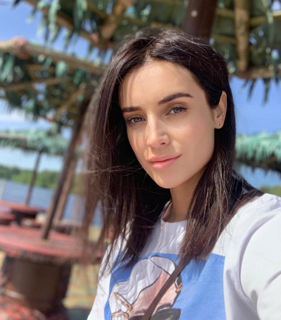 Участница 4 сезона шоу «Голос» Ольга Задонская показала пляжные фото