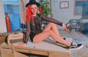 AnDy Darling — Дешёвая массовка, 2019 — слушайте онлайн   Музолента