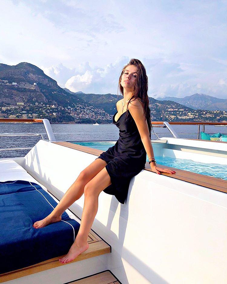 Люся Чеботина отдыхает в Монте-Карло на яхте Юрия Владимировича
