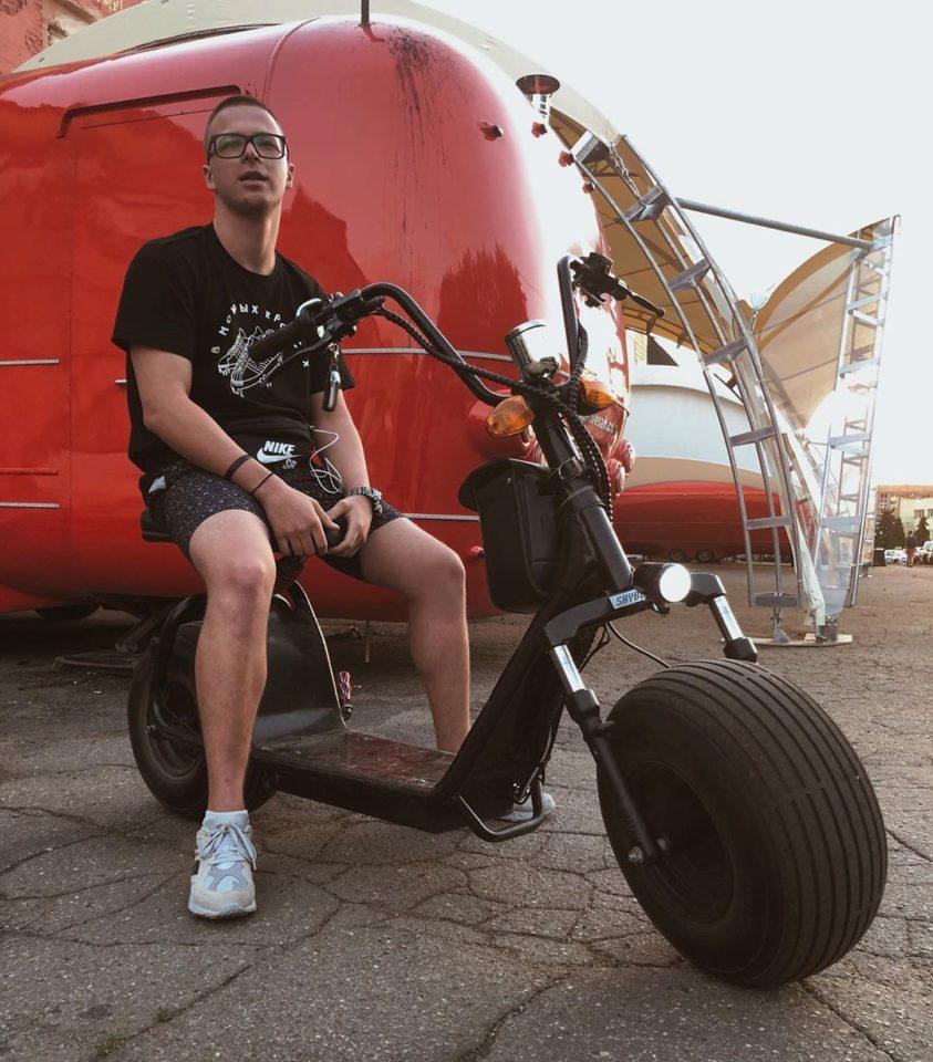 Гарик Погорелов — Не совершенно летний, мини-альбом 2019 года | Музолента