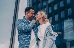 Женя Mad и Katya Tu — Из пластика, 2019 — слушайте онлайн | Музолента