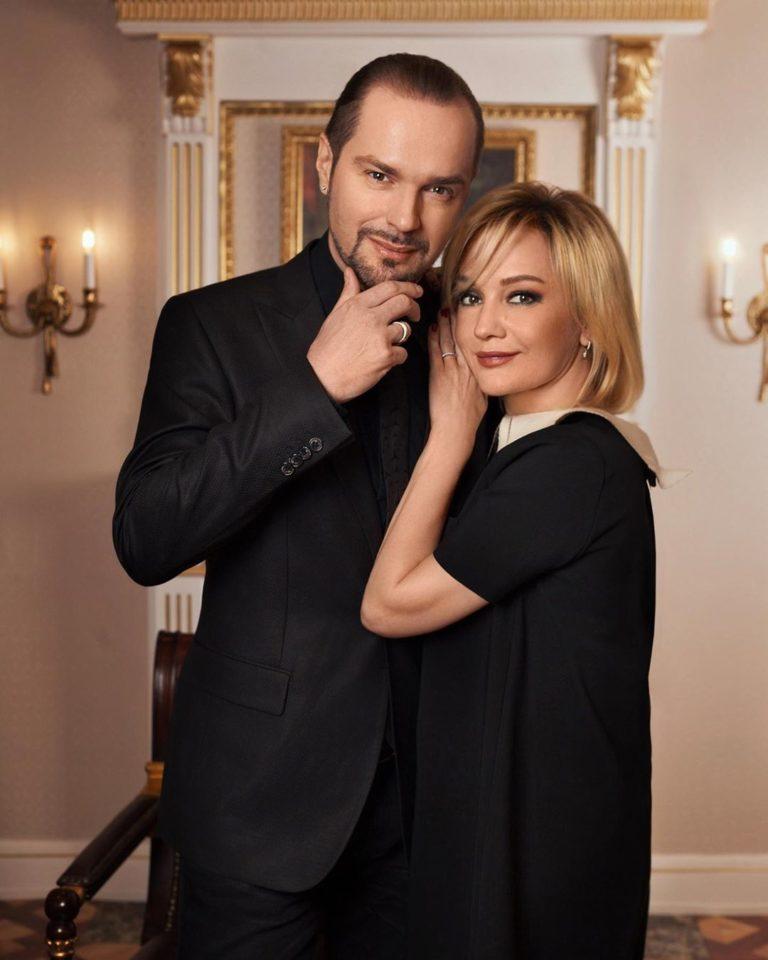 Константин Костомаров и Татьяна Буланова — Два Берега, 2019 — слушайте онлайн | Музолента