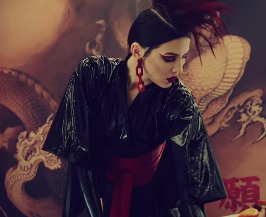MARUV — Между нами, 2019 — песня и клип в японском сеттинге | Музолента