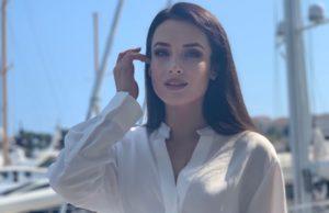 Участница шоу «Голос» Ольга Задонская продемонстрировала фигуру на пляжном фото