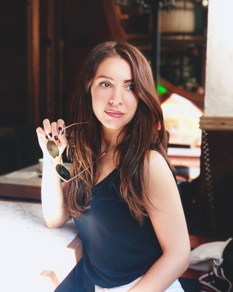 Александра Стрельцова aka Strela — Мохито, 2019 — слушайте онлайн | Музолента