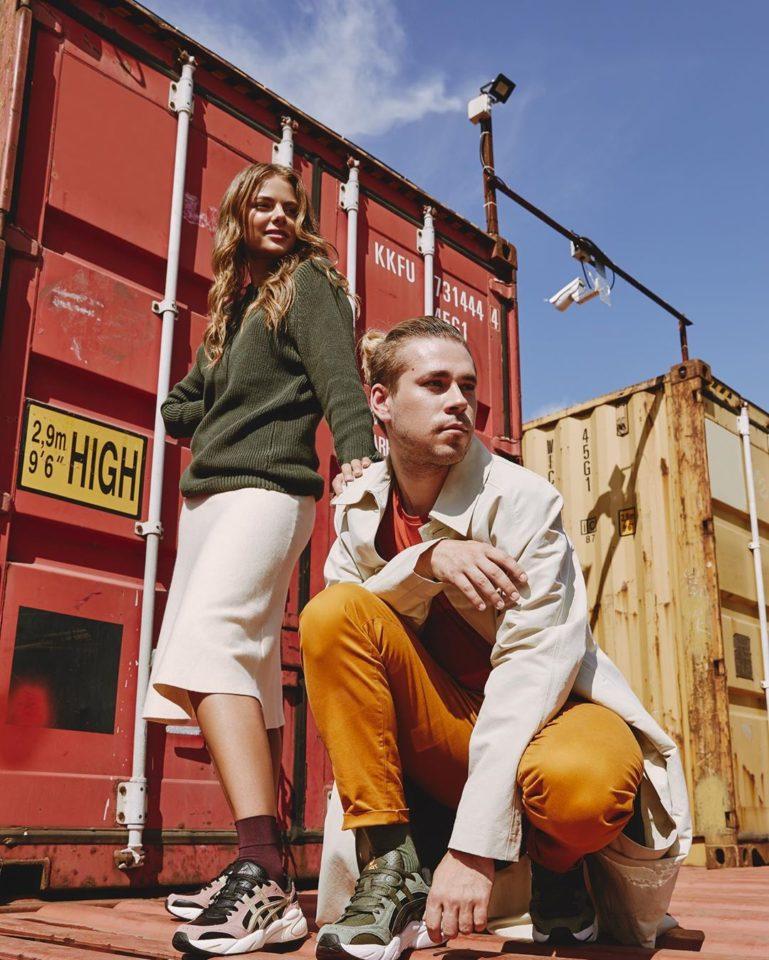 Максим Свобода сфотографировался с актрисой Маргаритой Аброськиной на складе контейнеров