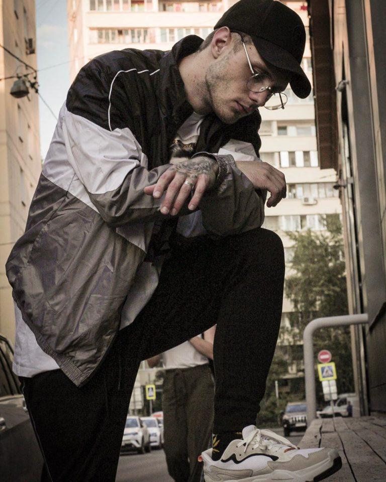 Masstank — 19, мини-альбом 2019 года | 5 песен | Музолента