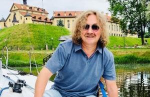 Игорь Николаев в эти осенние дни порекомендовал послушать его песню «Заблудилась осень» | Музолента