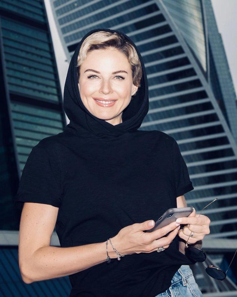 Наталия Власова — Dali, 2019 — смотрите видео   Музолента
