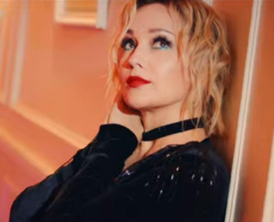 Клип Татьяны Булановой - Играю в прятки на судьбу, 2019 - смотрите видео | Музолента