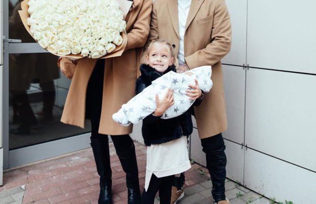 Тимати показал фото с Анастасией Решетовой и новорожденным сыном
