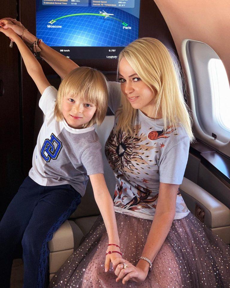 Яна Рудковскся показала милые фото с младшим сыном