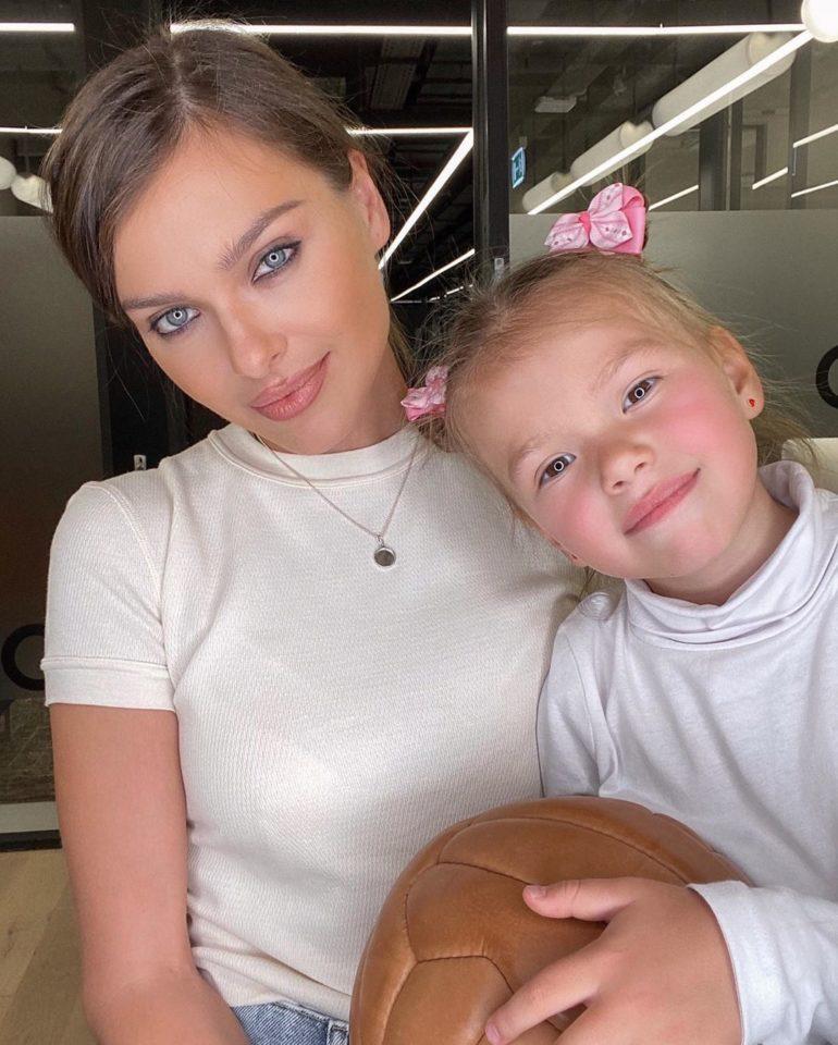 Елена Темникова и Александра